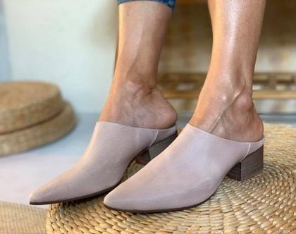 כפכף מיוחד, נעליים מעוצבות, נעלי כפכף, כפכף ורוד, נעלי עור