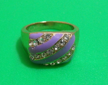 טבעת גולדפילד סגולה וינטג' מתכת פליז נחושת לא כסף מידה 6.5 מעוצבת אבנים נדירה מיוחדת במינה תכשיט מתנה