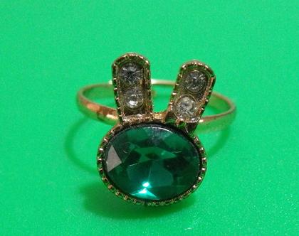 טבעת גולדפילד ארנב אבן ירוקה וינטג' מתכת פליז נחושת לא כסף מידה 8 מעוצבת אבן נדירה מיוחדת במינה תכשיט מתנה