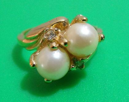 טבעת גולדפילד 18k חתומה וינטג' מתכת פליז נחושת לא כסף מידה 7.5 מעוצבת אבן דמוי פנינה נדירה מיוחדת במינה תכשיט מתנה