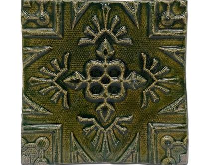 """אריח בעבודת יד דגם """"שטיח אריחים"""" ."""