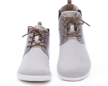 נעלי בד לבנים אופנתיים אומנותיים לנשים שאוהבות אופנה אומנות וסניקרס גם במידות גדולות
