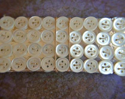 """36 כפתורים עתיקים, כפתורי צדף על קרטון, גודל 9 מ""""מ"""