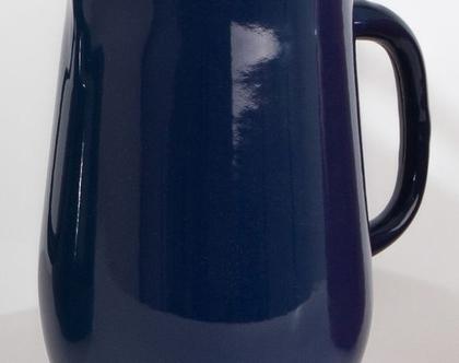 קנקן מים מאמייל בצבע כחול כהה