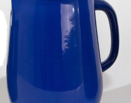 קנקן מים מאמייל בצבע כחול רויאל