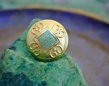 """6 כפתורי מתכת וינטג' בצבע זהב עם ריבוע ירוק במרכז, גודל 23 מ""""מ"""