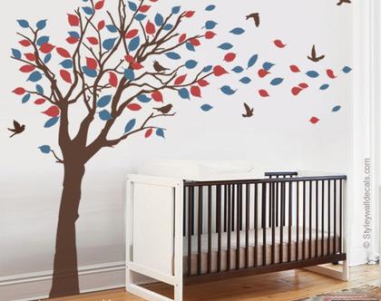 מדבקות קיר עץ עם עלים עפים ברוח | מדבקת קיר עץ | מדבקות קיר לחדרי ילדים | מדבקות קיר לעיצוב החדר ילדים | מדבקות קיר ציפורים