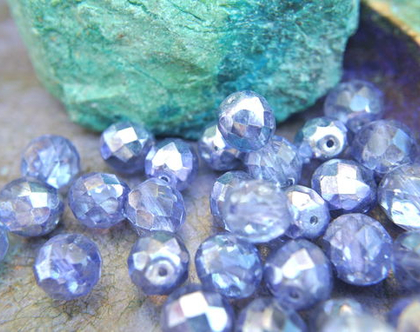 """חרוזי זכוכית קריסטל צבעוניים, קריסטל צ'כי גודל 10מ""""מ בצבע סגול- 15 חרוזים, צבע מיוחד"""