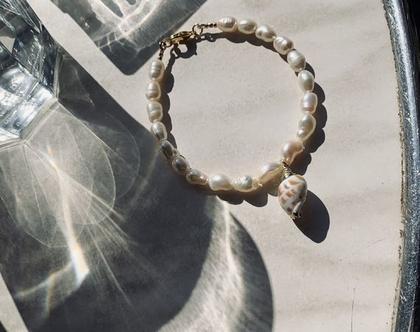 צמיד פנינים פראיות  צמיד פנינים מתורבתות  צמיד צדפה  צמיד צדף  צמיד קיץ  צמיד טרנדי 
