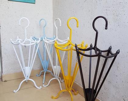 מתקן מטריות בצורת מטריה