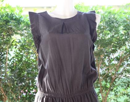 שמלת אפורה עם כיווץ במותן / שמלה לנשים
