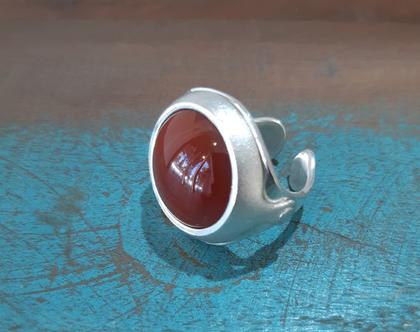 טבעת כסף עם אבן קורניאול (קרנליאן)