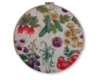 חישוק רקמה ענק קישוט לקיר - ירקות