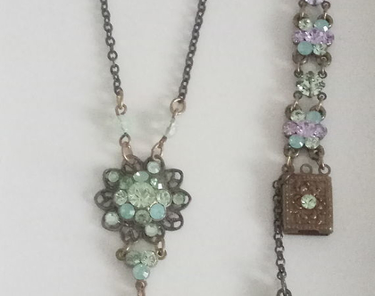 סט צמיד ושרשרת - צמיד ירוק - צמיד סגול - ירוק וסגול - סט תכשיטים צבעוני - תכשיטי וינטג