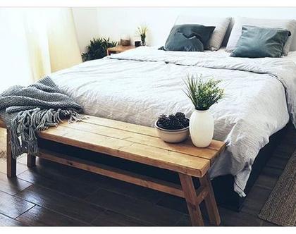 ספסל עץ דקורטיבי