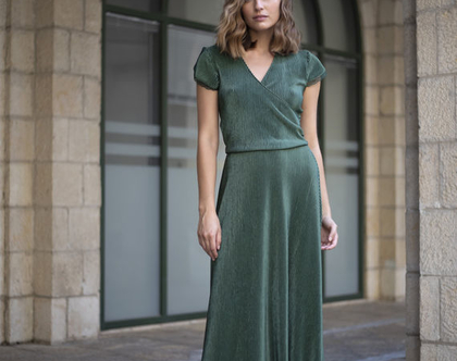 שמלת ערב ירוקה , שמלת מעטפת פליסה
