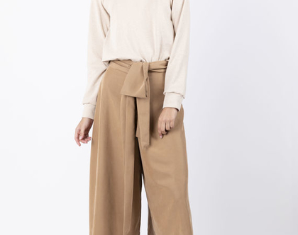 מכנסי קאמל בגזרה גבוהה עם מותן קשירה