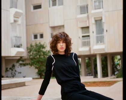 טישרט פספול, חולצה עם שרוול ארוך, טישרט רגלן, טישרט שחורה, חולצה שחורה, חולצה תכלת