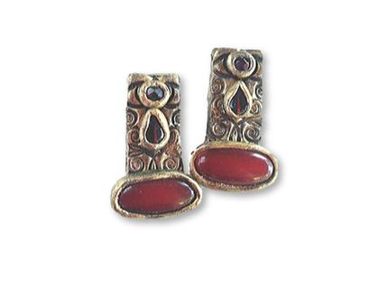 עגילי קרנליאן, עגילי מלבן, עגילים עם אבן אדומה, עגילים עם נוכחות, תכשיטי קרנליאן
