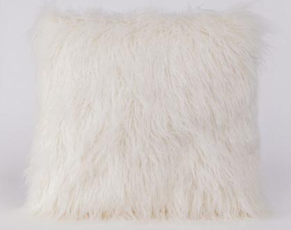 כרית פרווה בצבע לבן | כרית פרוותית בצבע לבן
