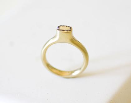 טבעת CROWN זהב מלא עם יהלומים שחורים