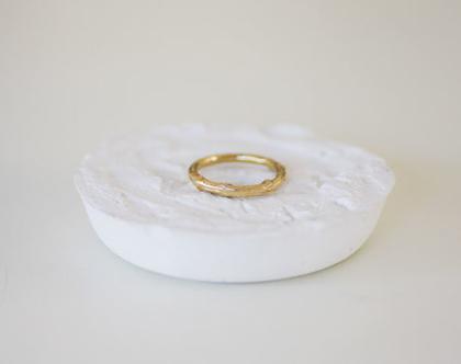 """טבעת זהב ענף דקה עובי 1.9-2.5 מ""""מ"""