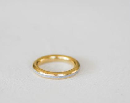 טבעת מפרופיל עגול עם פס בטון פולימרי | טבעות נישואין