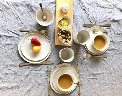 צלחות לעוגה | סט צלחות קרמיקה בצבע שמנת עם הטבעת לב | צלחות למנה ראשונה | צלחת קרמיקה