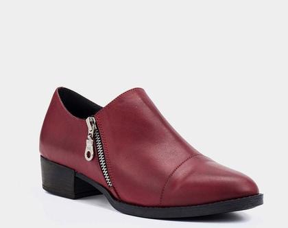 נעליים עם רוכסנים בצבע בורדו – B.unique