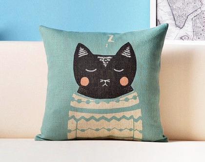 כרית נוי - חתול מנומנם