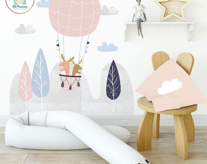 מדבקת קיר - איילים בכדור פורח | מדבקת קיר גדולה | עיצוב חדרי ילדים | עיצוב קירות