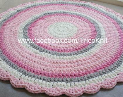 שטיח עגול סרוג ורוד, אפור ושמנת בקוטר 1 מטר
