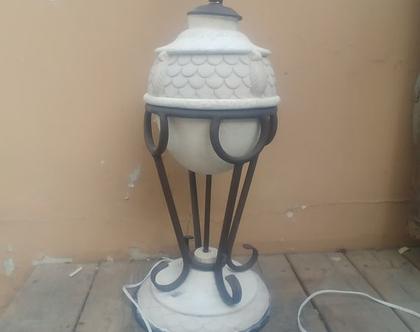 מנורה עומדת ברזל ושיש