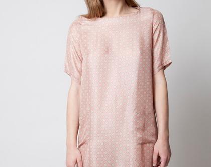 שמלת משי עם דוגמא