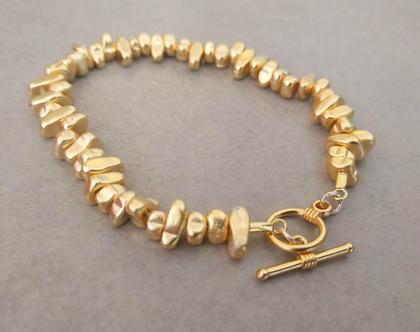 צמיד זהב, צמיד אבנים זהב, צמיד אבני המטייט בציפוי זהב, צמיד חרוזים זהב, צמיד זהב מיוחד, צמיד אבנים עם סגירה מיוחדת, צמיד אבנים לאישה