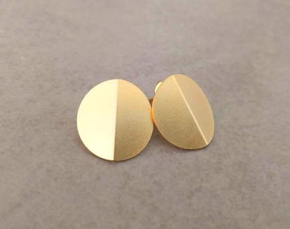 עגילים צמודים אוריגמי | עגילי זהב צמודים | עגילים קטנים זהב | עגילי עיגול זהב | עגילי עיגולים צמודים | עגילי דיסק צמודים | עגילי אוריגמי זהב