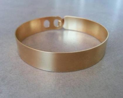 צמיד חלק מזהב | צמיד זהב קשיח | צמיד פשוט קשיח | צמיד זהב לאישה | תכשיט מתנה