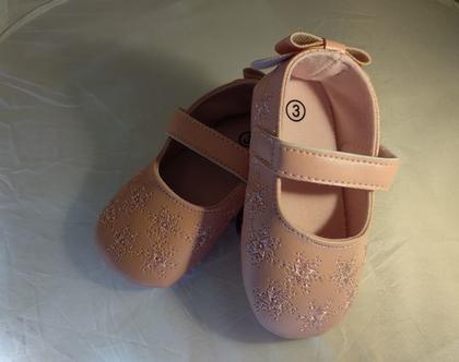 נעלי בובה לקטנטנות