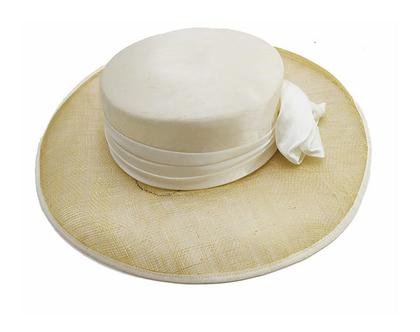 כובע אלגנטי אליזבט
