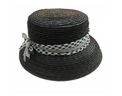 כובע קלוע שחר