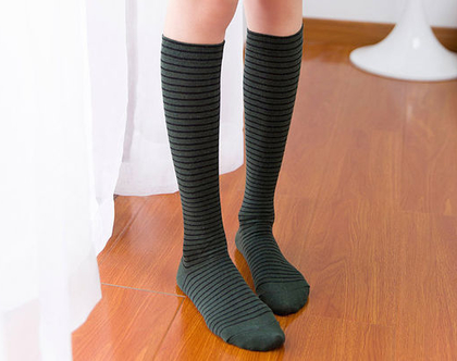גרביים גבוהים - פסים שחור ירוק