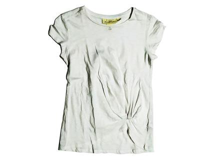 חולצת טי עם קשר