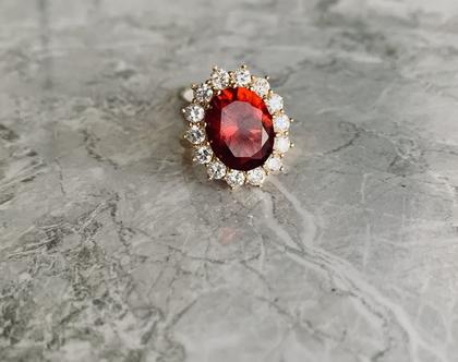 טבעת דיאנה  טבעת מצופה בזהב  טבעת זירקונים  טבעת בסגנון וינטאג׳  טבעת מרשימה  טבעת סבתא