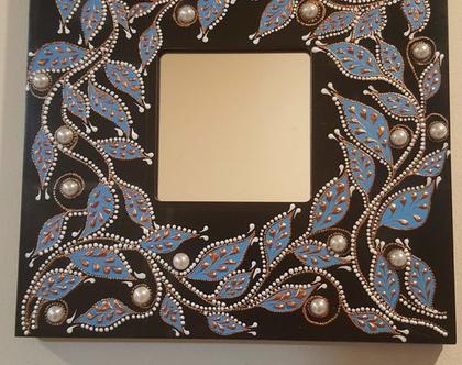 מראה מעוצבת 26 על 26 סמ בגווני כחול עם פנינים