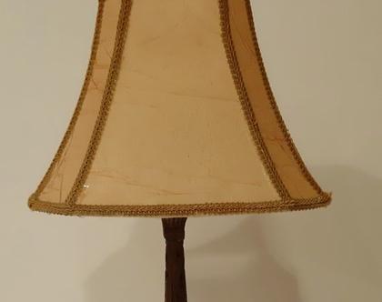 מנורת שידה:מנורת שולחן:תאורה שולחנית:מנורת רגל: