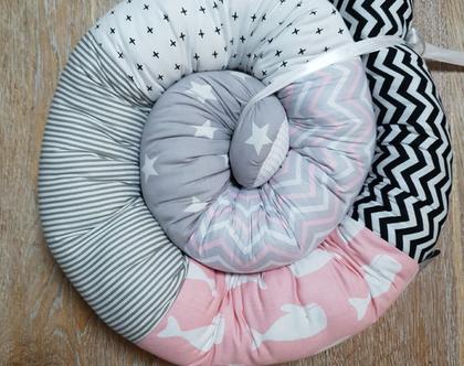 נחשוש| מגן ראש למיטת תינוק| מצעים למיטת תינוק| עבודת יד| עיצוב חדרי תינוקות| נחשוש למיטת מעבר|נחשוש לעריסת תינוק|מתנה ליולדת|מתנה לתינוק