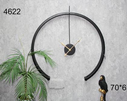 שעון קיר עגול חתוך