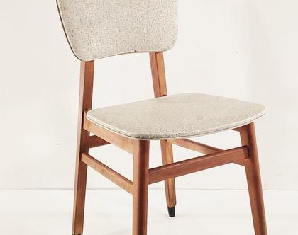 כסא עץ בוק ריפוד בהיר