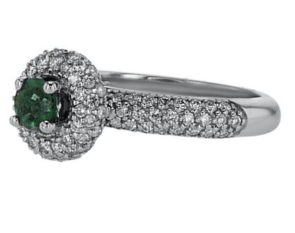 טבעת אמרלד 0.36 קארט, 18 קראט זהב-לבן, משובצת 0.67 קראט יהלומים
