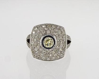 טבעת יהלום פנסי קולור זהב לבן 18 קראט